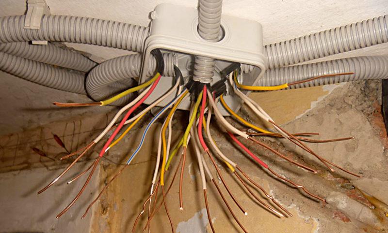 Выполнение разводки электропроводов в квартире